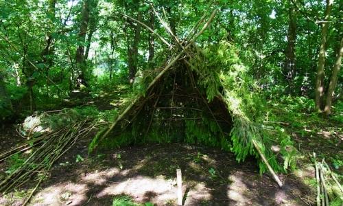 Shelter Building £22