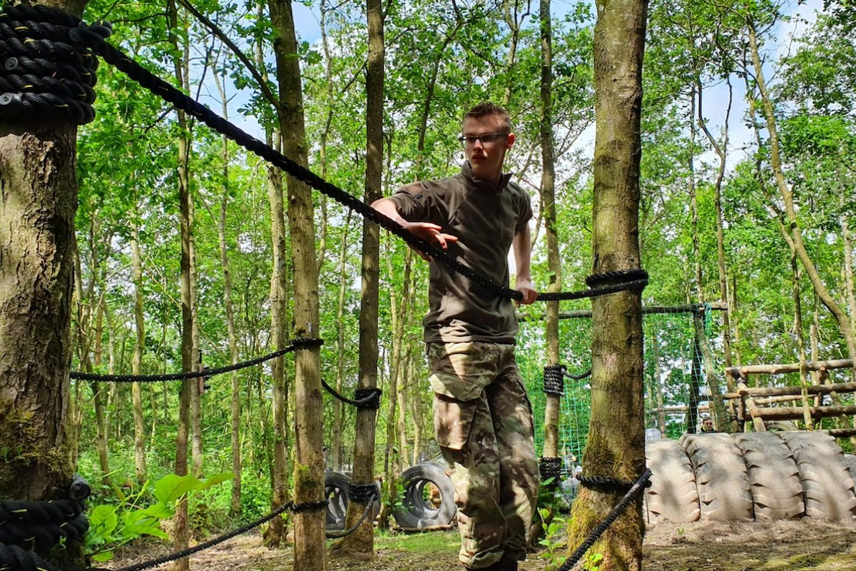 Assault-course-leicestershire.jpg