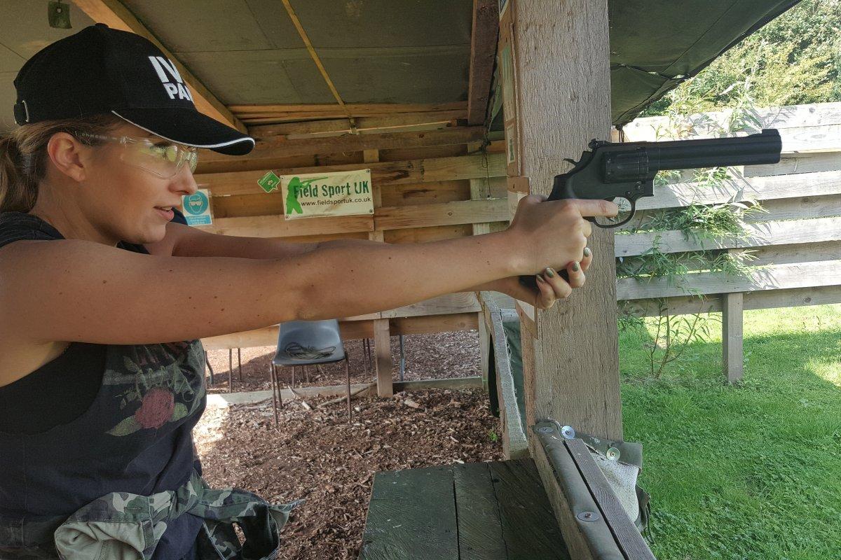 Air-Rifle-pistol-shooting-for-hen-parties.jpg