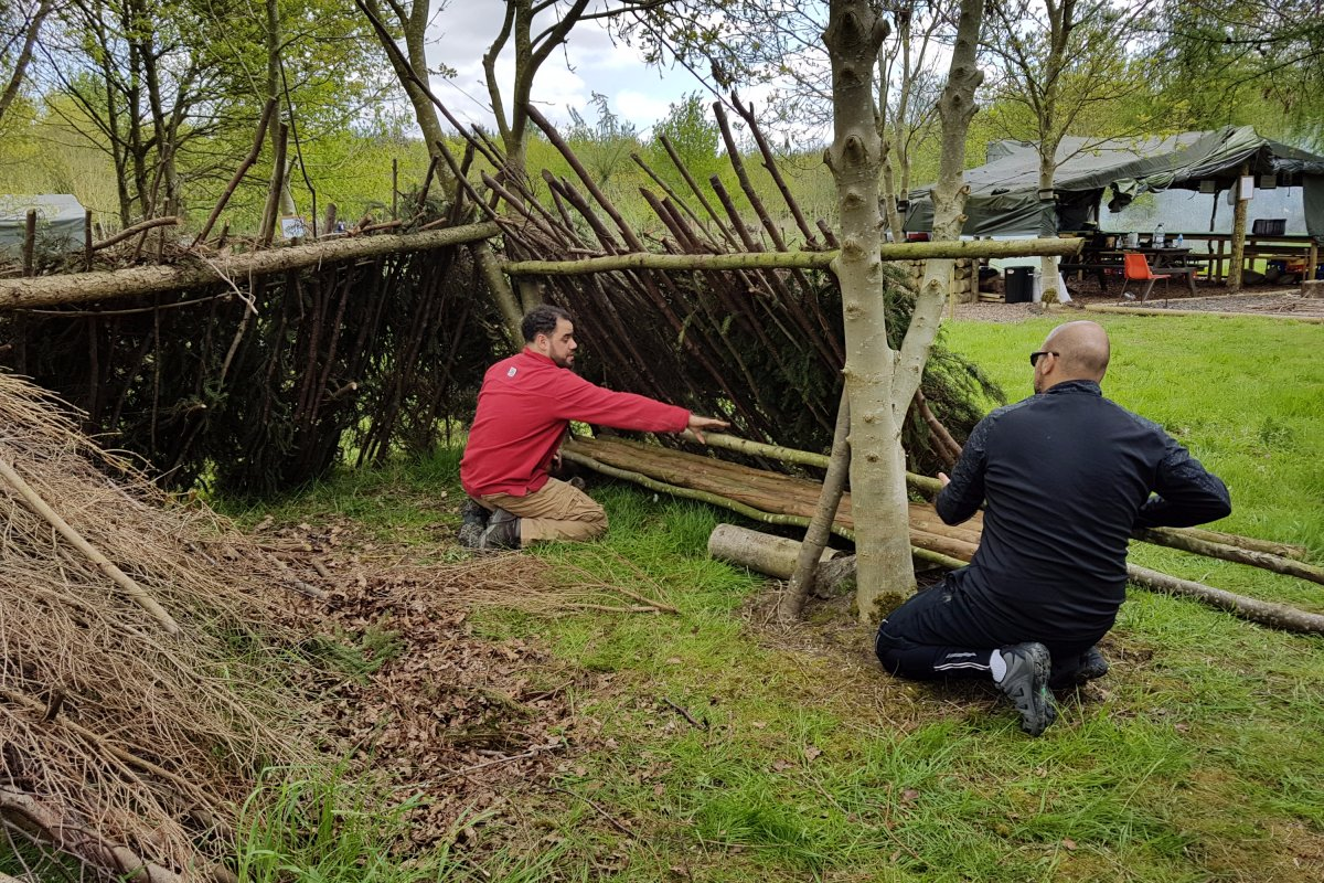 shelter-building-survival-challenge.jpg