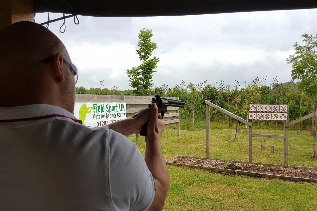 Pistol-shooting-in-leicestershire.jpg